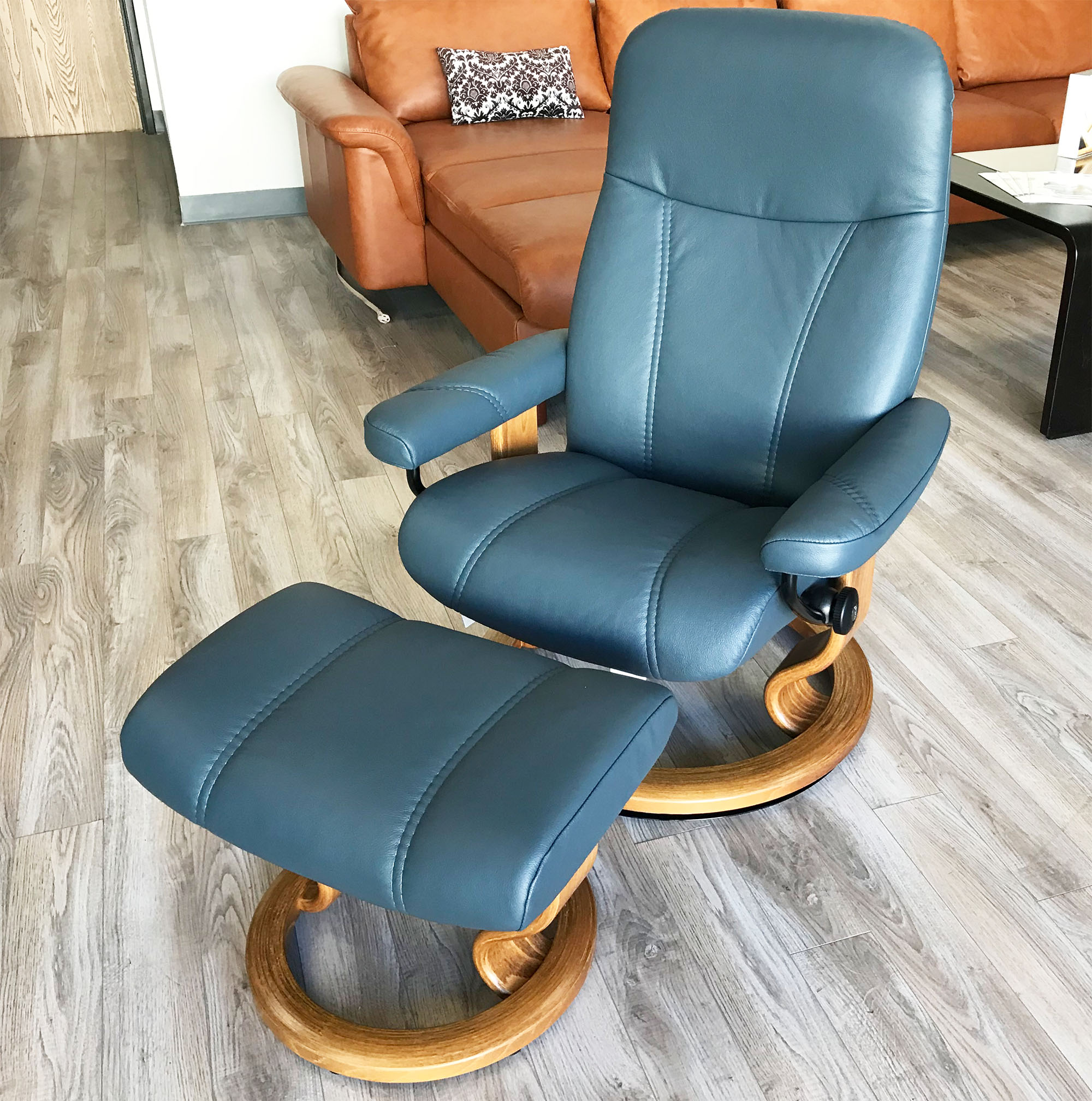 Phenomenal Stressless Ekornes Consul Batick Atlantic Blue Leather Recliner Chair And Ottoman Ocoug Best Dining Table And Chair Ideas Images Ocougorg