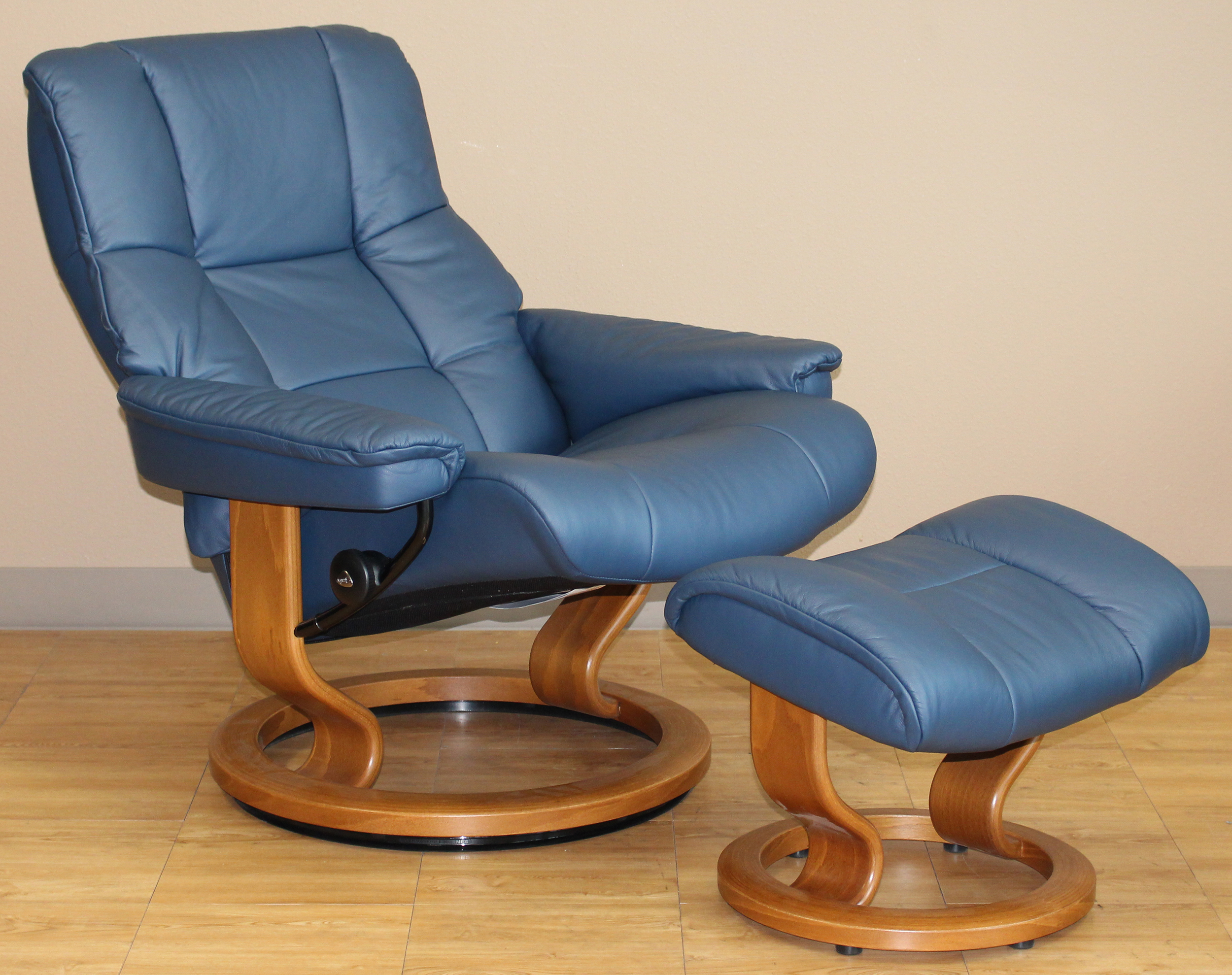 Stressless Mayfair Medium Paloma Oxford Blue Leather Recliner Chair And Ottoman By Ekornes