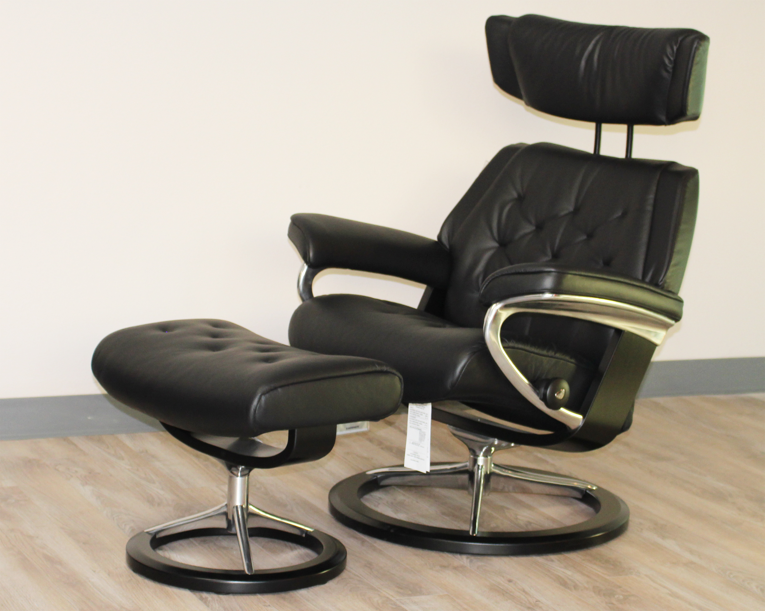 Stressless Skyline Signature Base Medium Paloma Black Leather Recliner Chair And Ottoman By