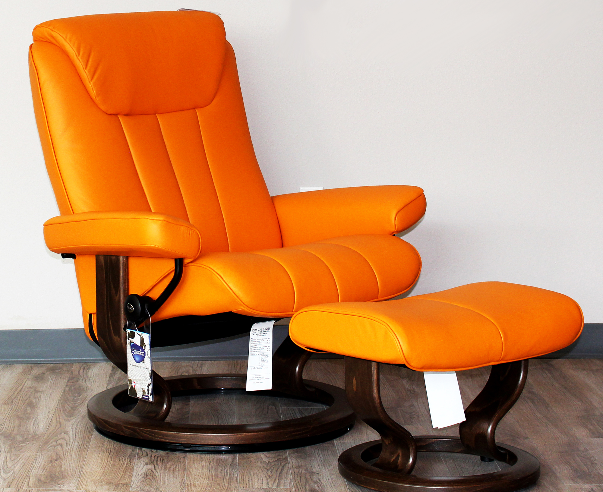 Stressless Bliss Recliner Chair And Ottoman Paloma Clementine Leather