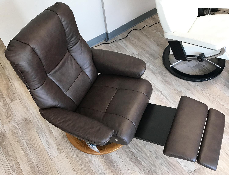 Astonishing Stressless Mayfair Legcomfort Paloma Chocolate Leather Recliner Chair By Ekornes Ibusinesslaw Wood Chair Design Ideas Ibusinesslaworg