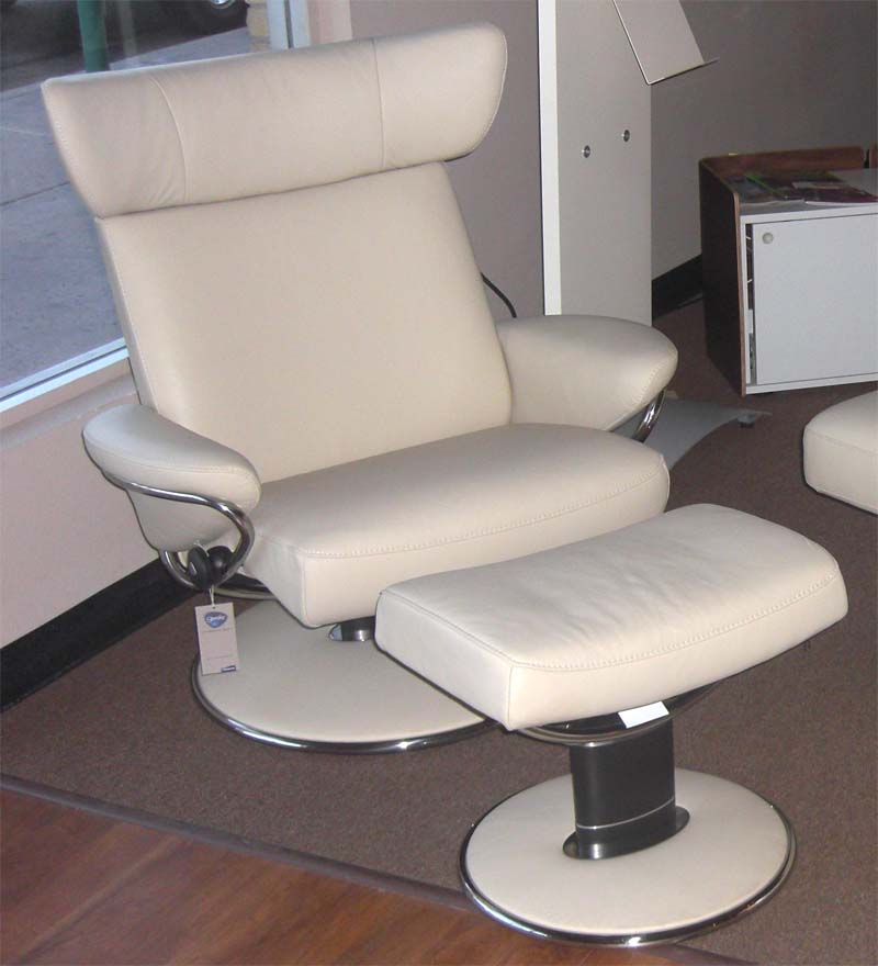 Stressless Large Jazz Leather Recliner And Ottoman By Ekornes
