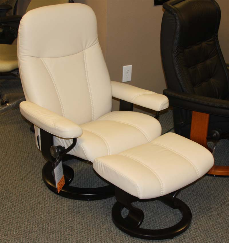 Stressless Consul Batick Cream Leather Chair Recliner And Ottoman By Ekornes